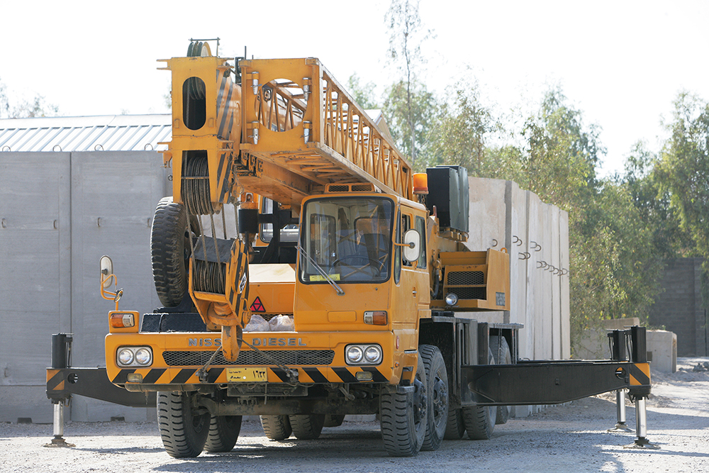 large truck crane for rent